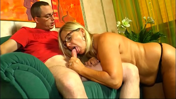 Boosty blonde milf get nasty with her son in law