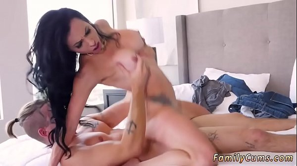 Cock ring blowjob and cum mouth The vet of aunt Portia lives on.