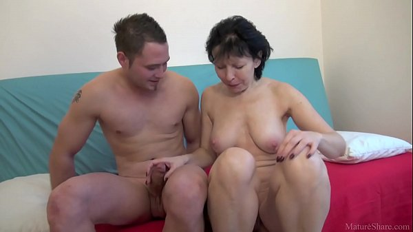 Mature lady seduced a young fellow and fucked h...