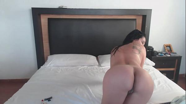 Recien bañadita en la webcam / Alizee Sanzeth