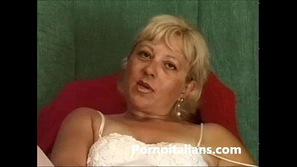 Italiana vecchia ragazza si masturba porno