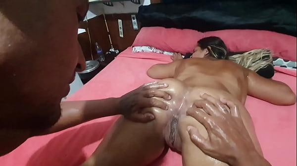 Massagista de hotel 5 estrelas faz serviço completo por uma propina gorda . Pit Bull Porn Thumb