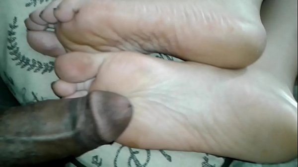 Rubbing My Dick on GF' s Feet While She on IG  thumbnail