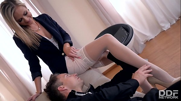 Horny Psychologist Seduces Foot Fetish Lover in...