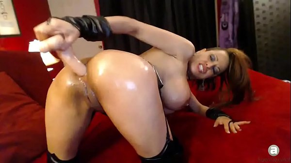 Dirty camgirl fucks her ass and then her pussy ...