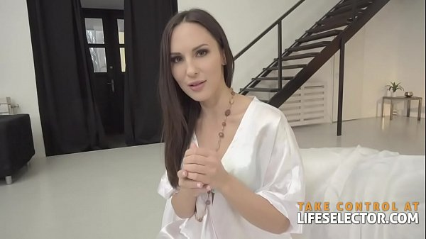Lilu Moon - Brunette Babe Loves This Dick