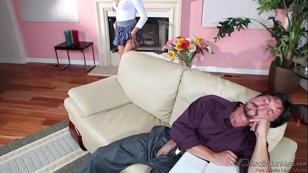Carolyn Reese, Jynx Maze Share Cock Thumb