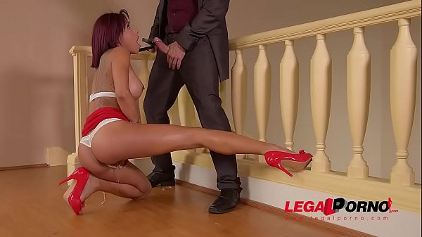 Peeing petite Latina Rose Valerie licks her juices after being fucked hard GP150