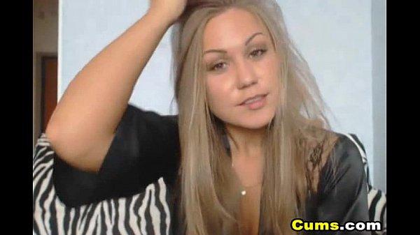 what's her name?/qual é o nome dela?