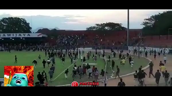 BUDAYA BAKU HANTAM VERSI SUPORTER INDONESIA