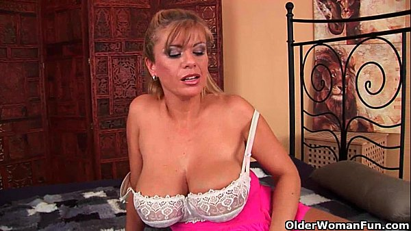 Mature mom with XXL tits sucks cock and gets fu...