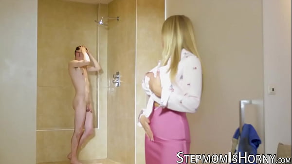 Stepmom Sam Bourne uses curves to seduce in shower
