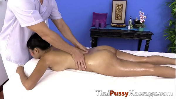 Naturally busty Thai slut gets a deep tissue massage