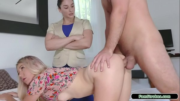 Stepsister checks if stepbros cock works Thumb