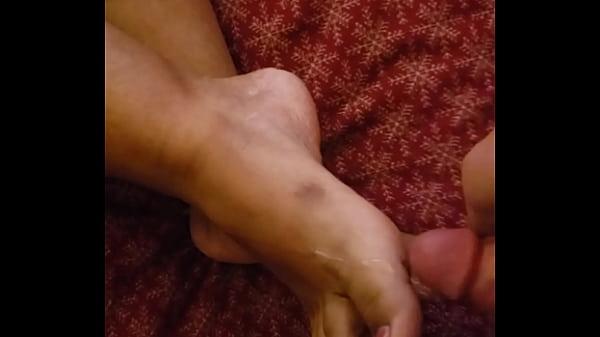 Cum all over her feet