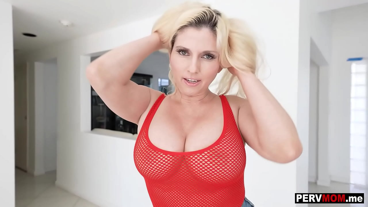 Amateur Knees Blowjob Big Tits