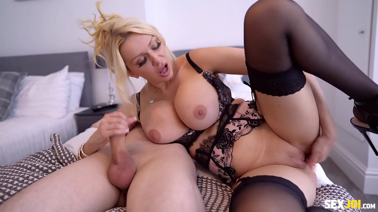 Big Tits Toy Busty Cam Solo