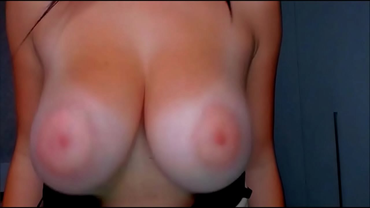 Boobs bounce Bouncing Tits
