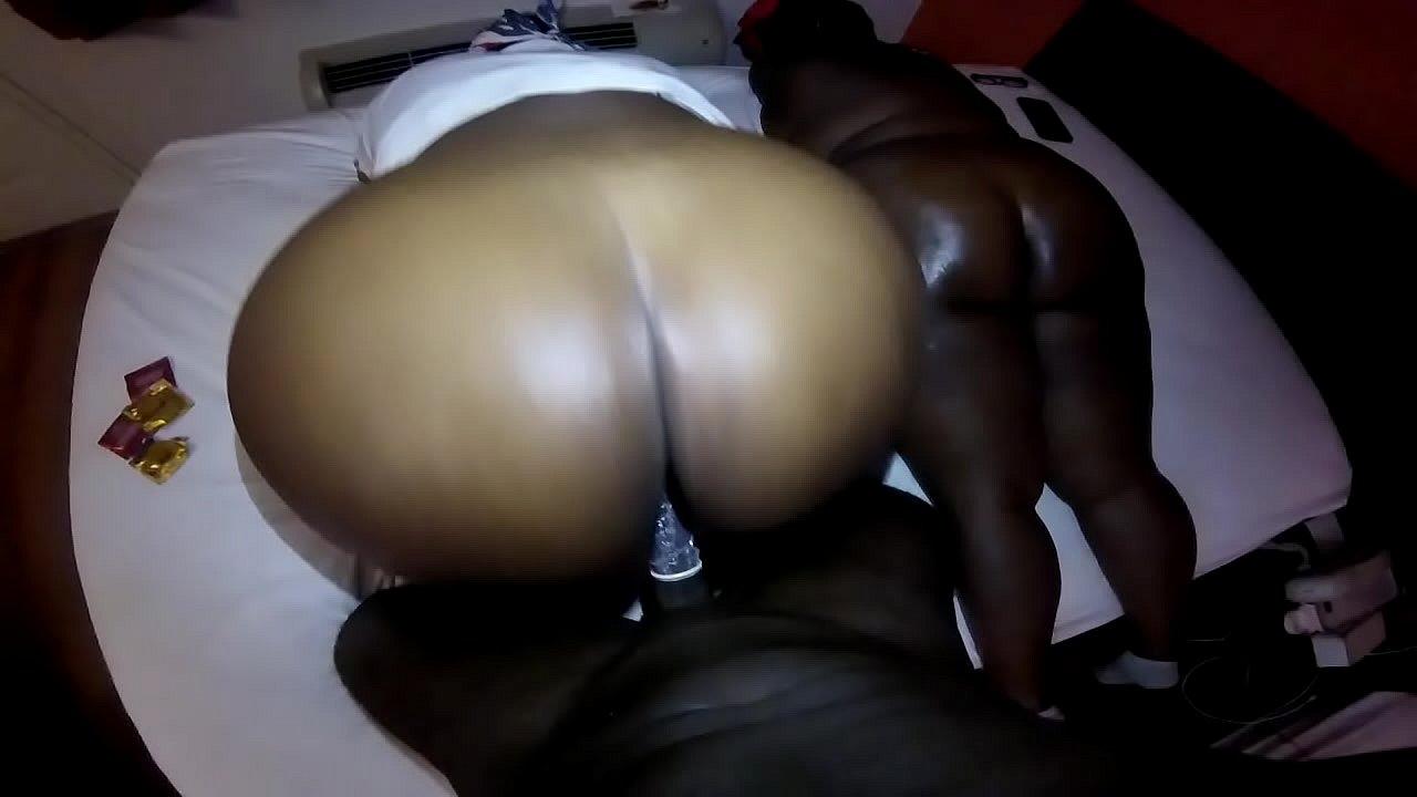 Ebony Big Lips Give Head
