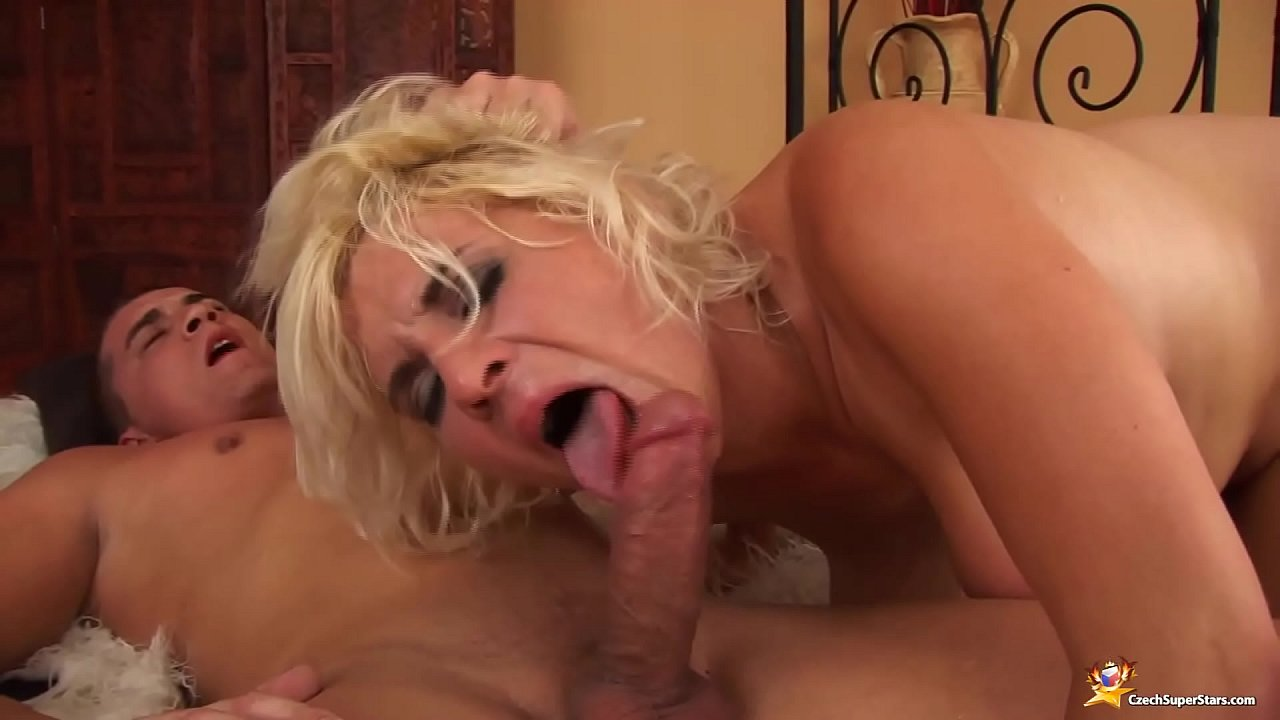 Hairy Mom Anal Creampie