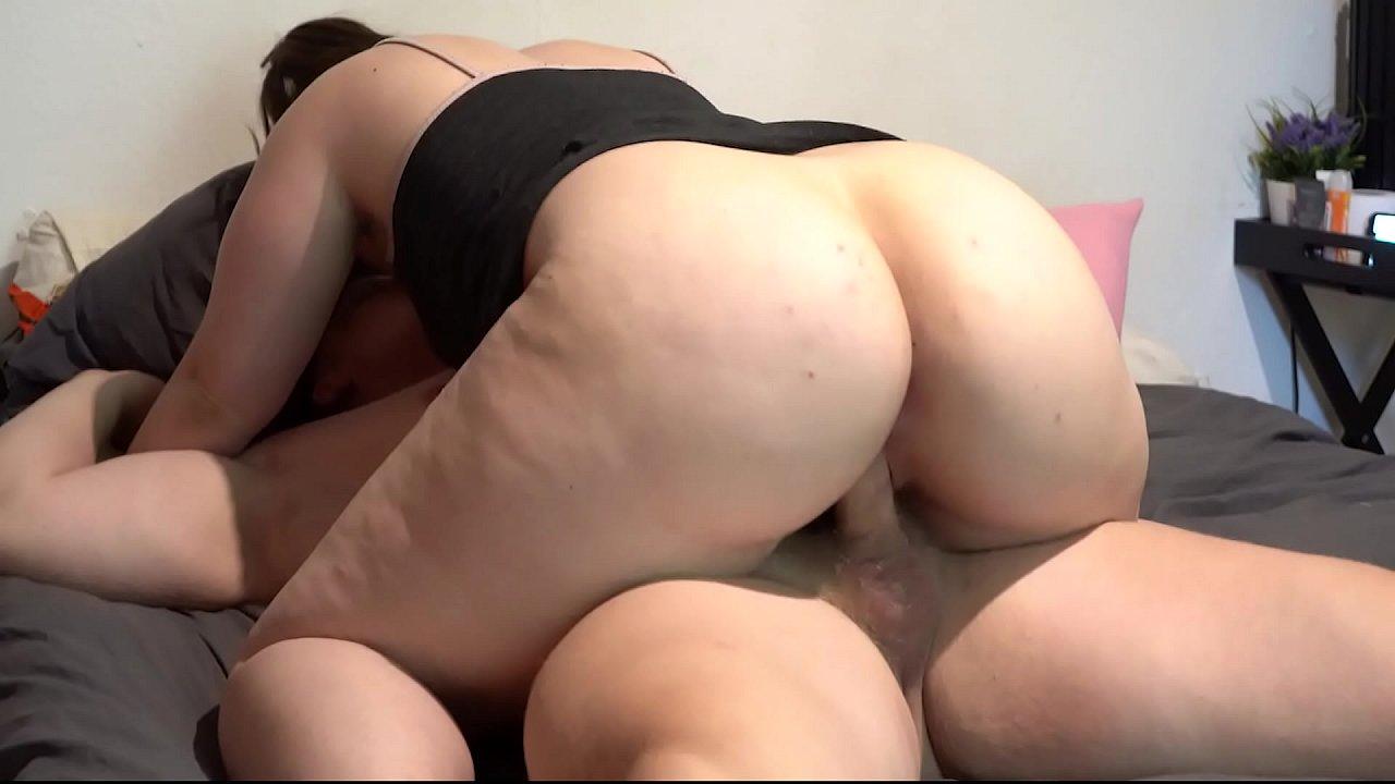 Amateur Curvy Big Ass Cheeks