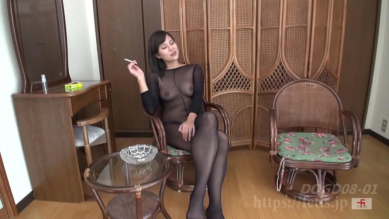 犬嗅ぎ美魔女6 ①M男の鼻を犯す唾液プレイ 編(フェ血ス)