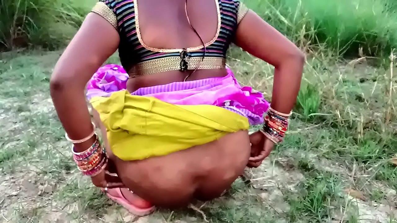 खेत देखने गई सासु माँ ओर वह चुदवाने लगी हिंदी  thumbnail