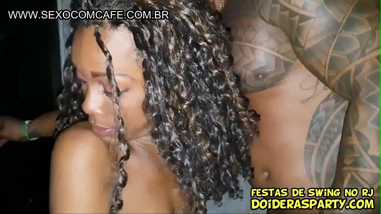Pretinha Magrinha Arlequina na festa de swing fode com Escorpião e deu pelo gloryhole - Completo no Xvideos Red - Casal Ninfos Prime