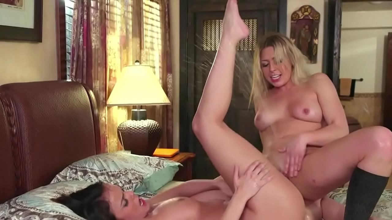 Squirting Young Lesbian Sister