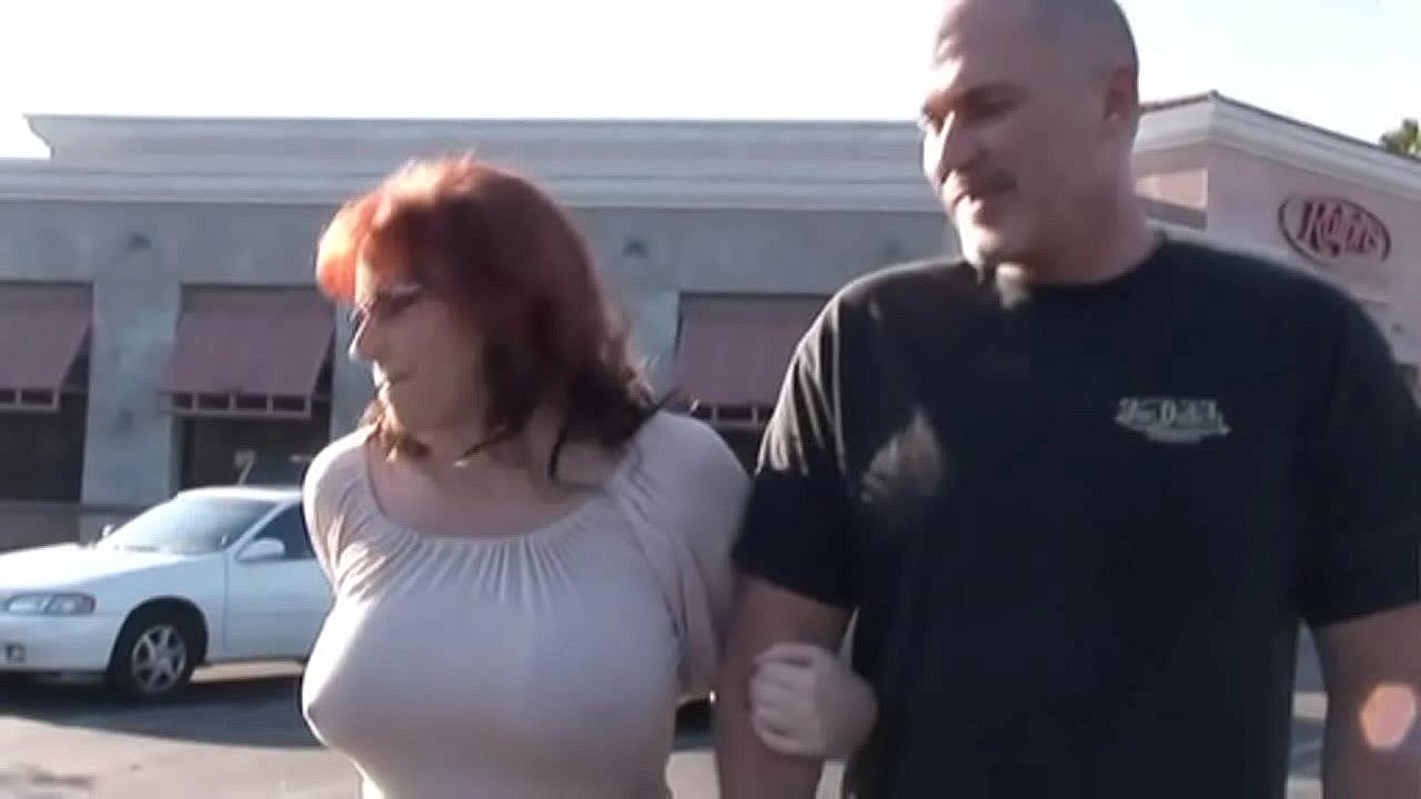 Amateur Wife Cucks Husband