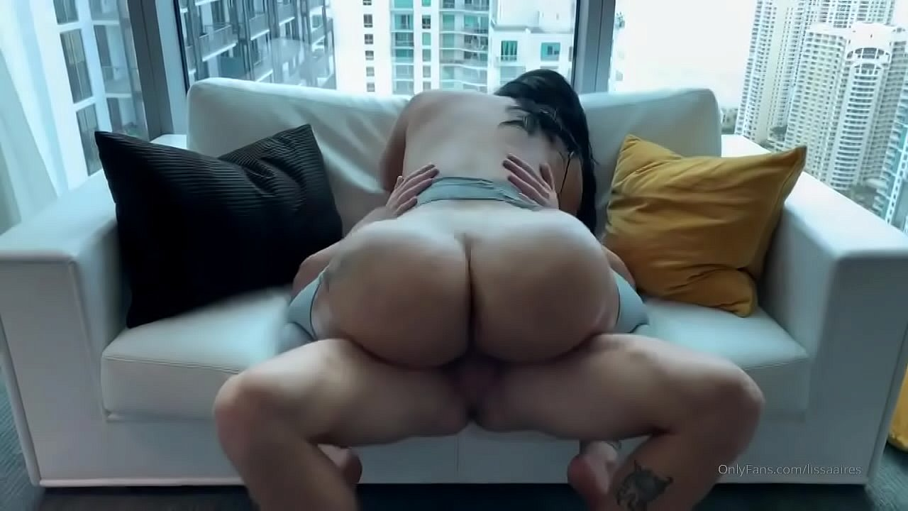 Rubbing Her Clit My Dick