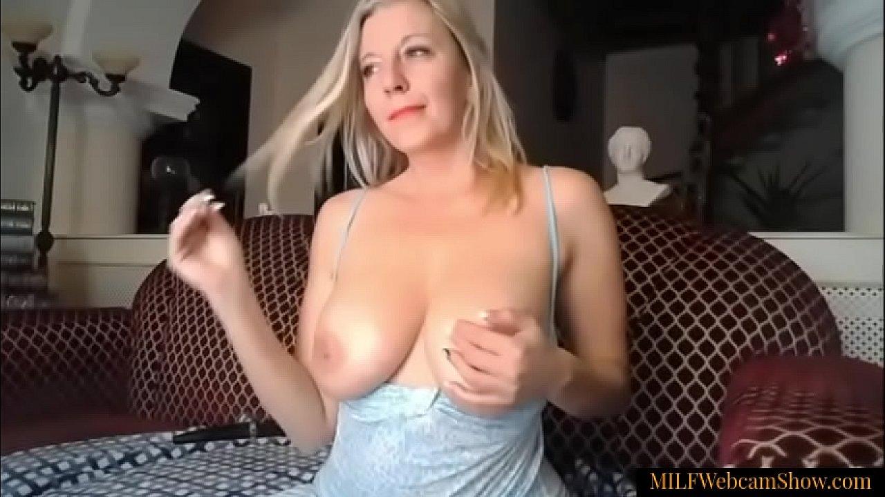 Amateur Blonde Reverse Cowgirl
