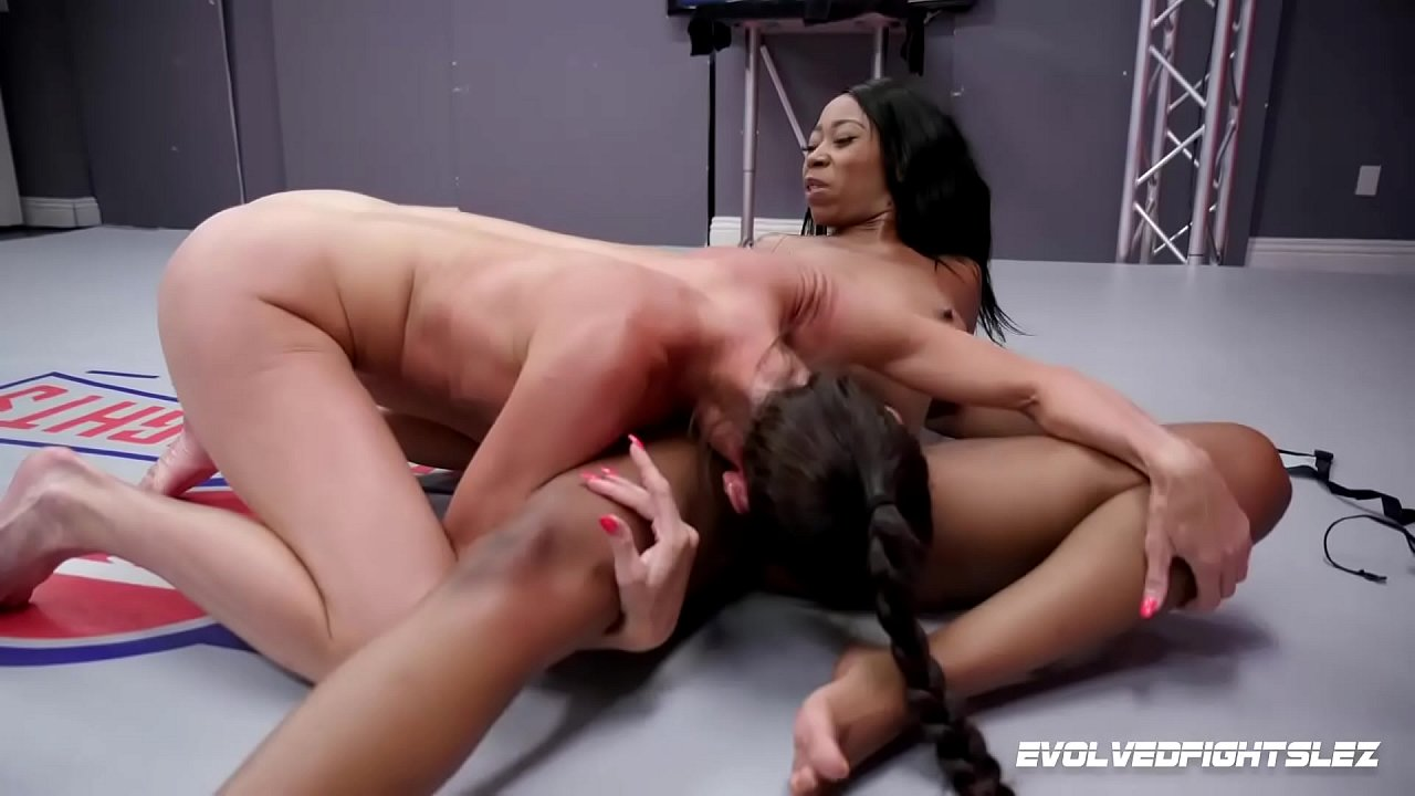 First Lesbian Pussy Eating
