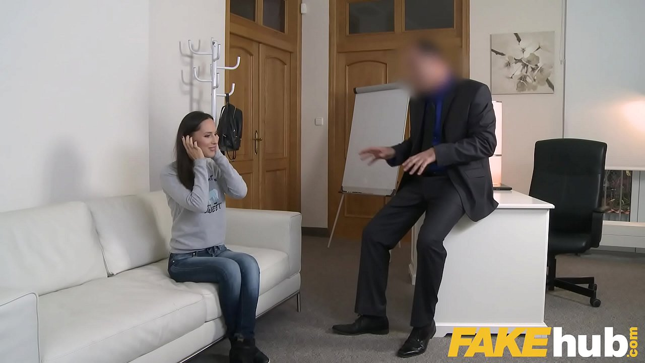 Fake Agent Lilu Moon show of all her sex skills in interview  thumbnail
