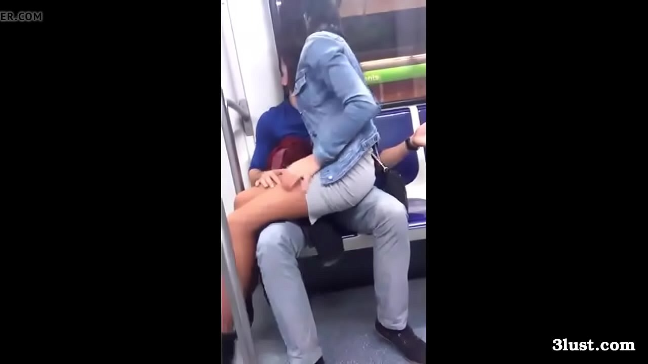 Girl Squirts While Riding Dick