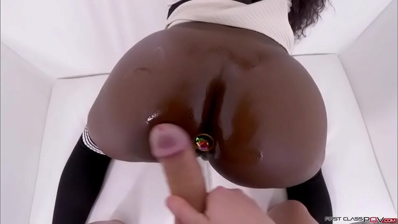 Noemi bilas anal