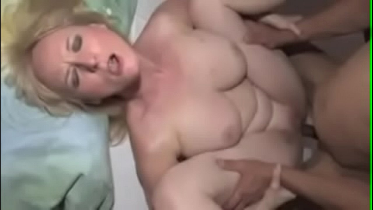 Amateur Blonde Riding Couch