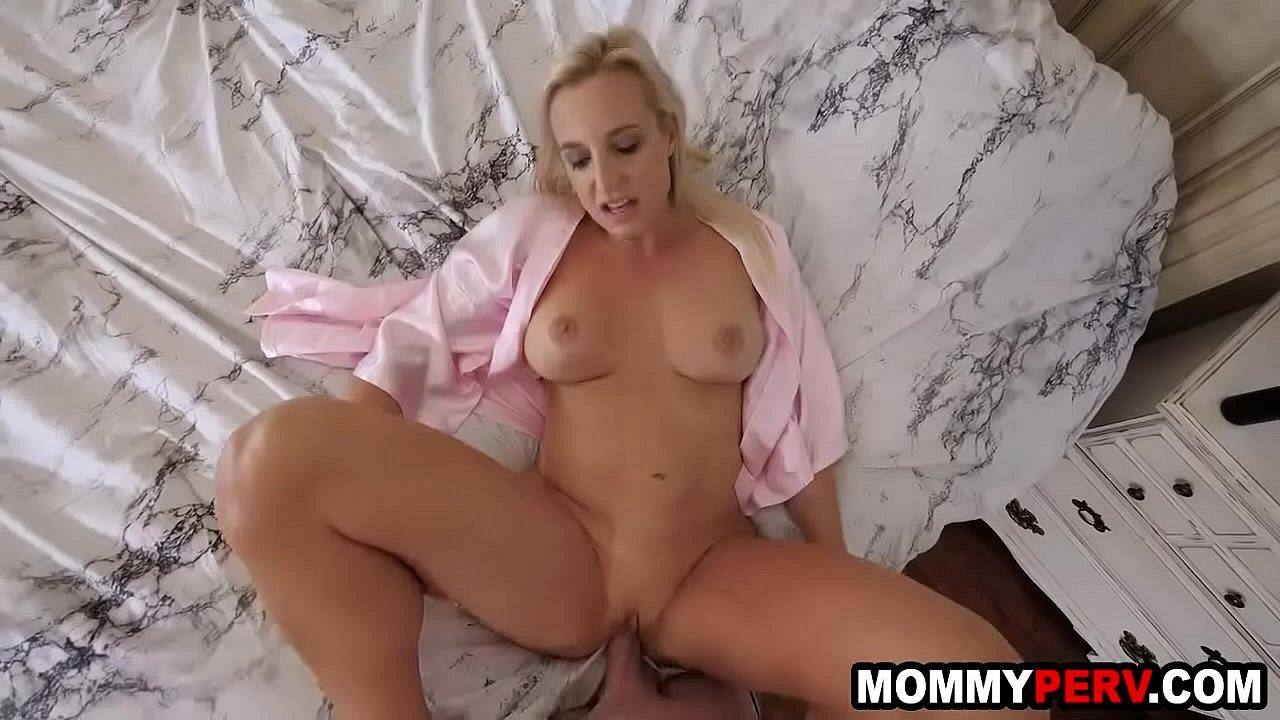 Naked girls stepmom hardcore My Horny Step Mom Sent Me Her Nude Video Xvideos Com