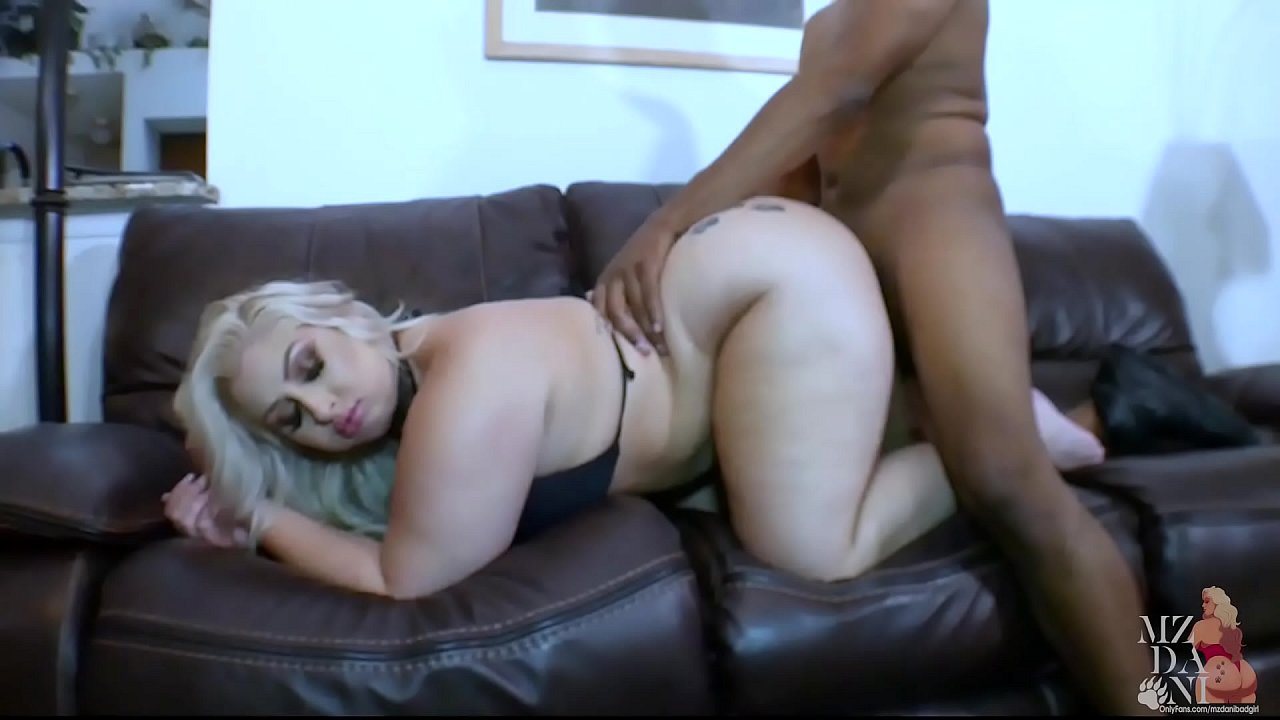 Big Ass Fat Blonde Woman Having Sex With Horny Guy