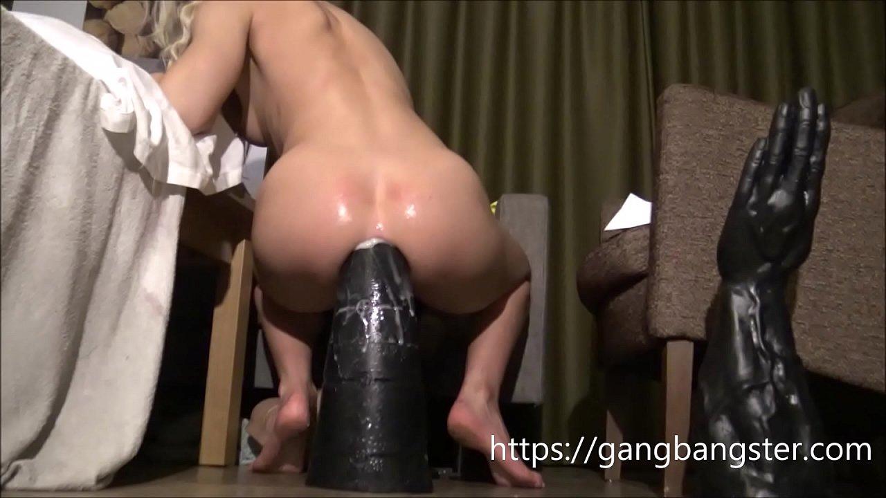 Huge Cock Teasing Pussy