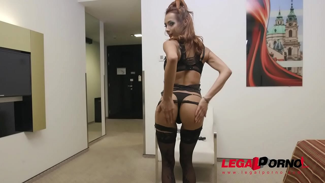 Piss drinking slut Veronica Leal takes huge cock up her ass with 0% pussy fucking SZ2488