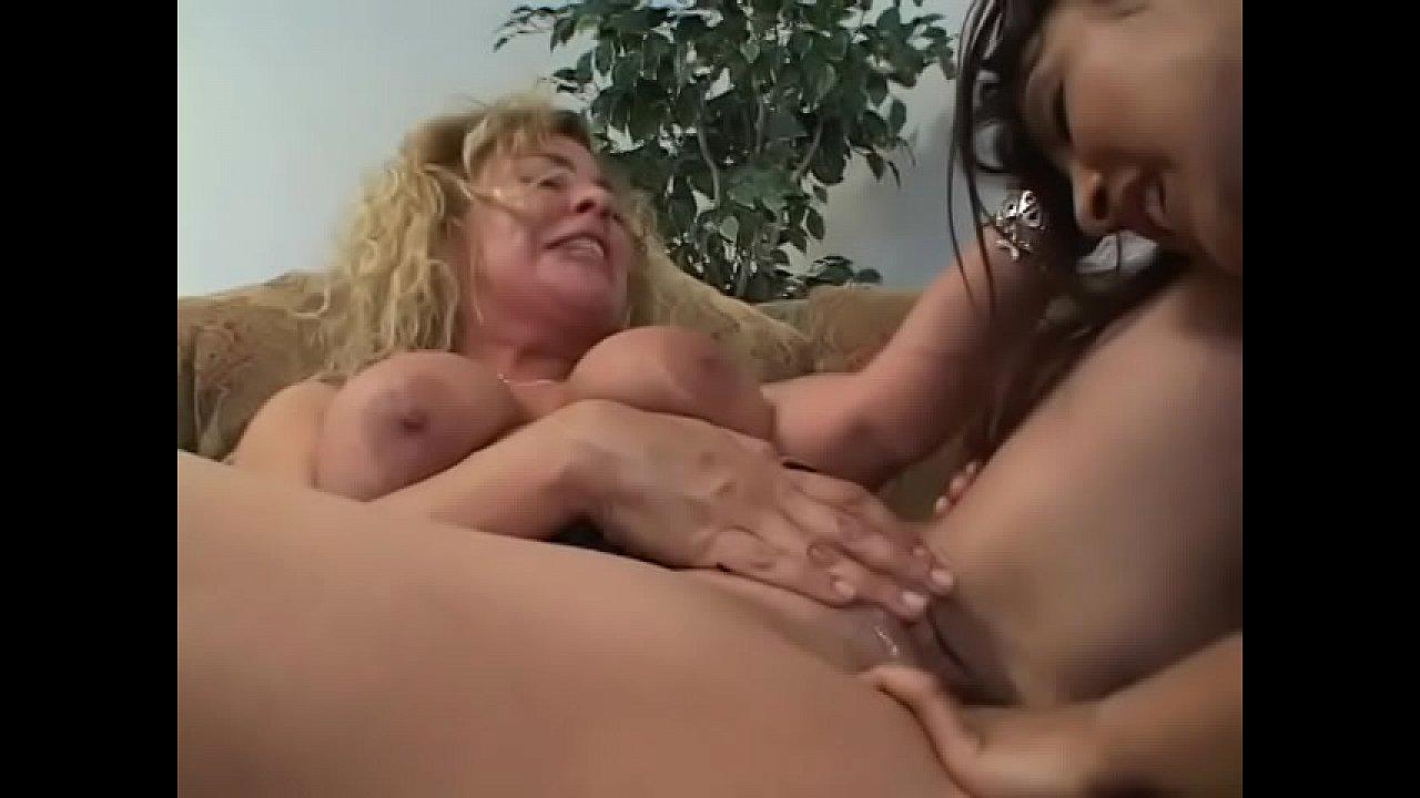 Lesbian Eating Pussy Latina