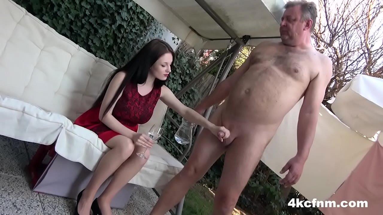 Teen Girls Twerking Nude