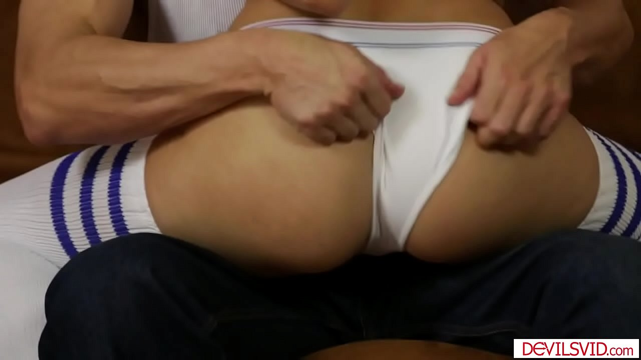 Asian Teen Fucks Boyfriend