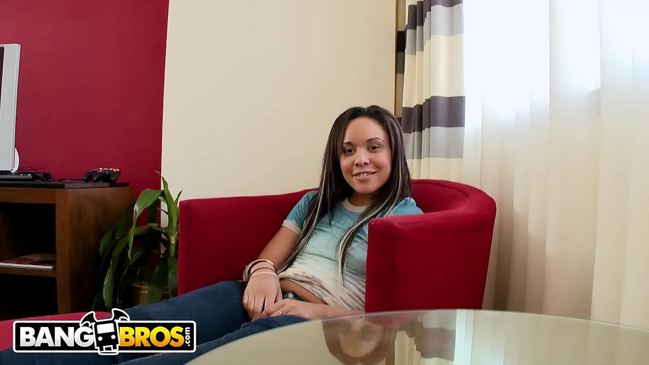 BANGBROS - Young Jaslin Diaz Is New To Anal, So Tony Rubino Tries To Be Gentle  thumbnail