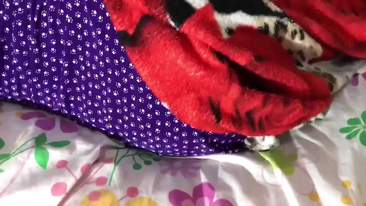 Novinho fode no pelo sua cunhada enquanto ela está d.. (Completo no RED)