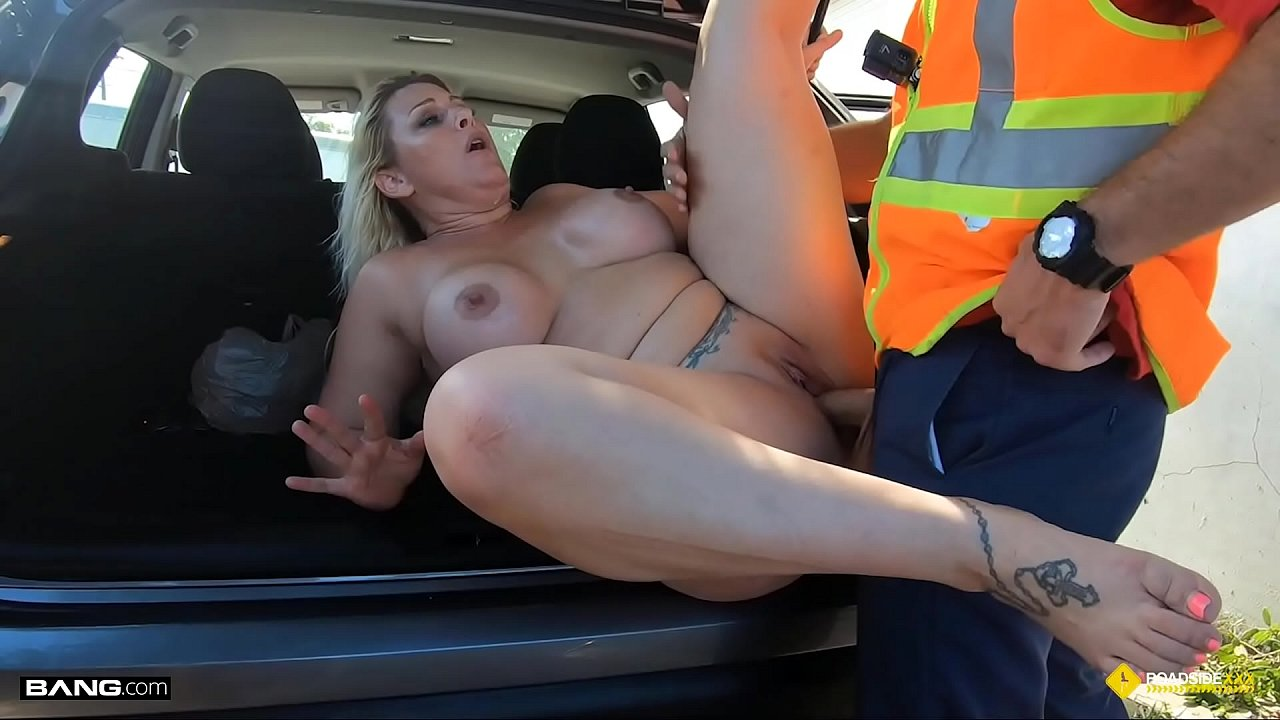 Thick Blonde Milf Fucked