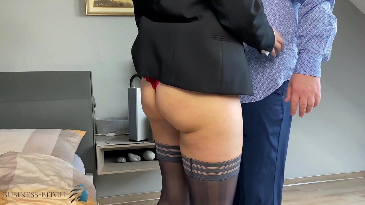 secretary gets face fuck and deepthroat