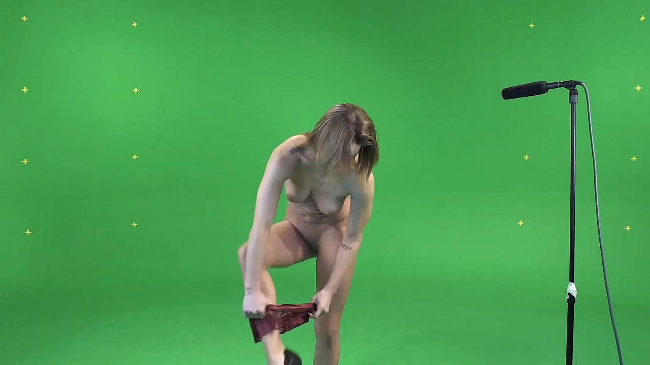 Naked Girl Bloopers