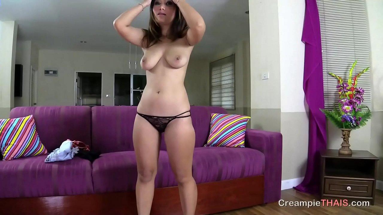 Threesome Girl Licks Creampie